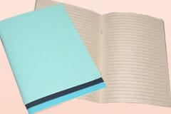 オリジナルノートのサンプル三つ目、横罫ノートです。